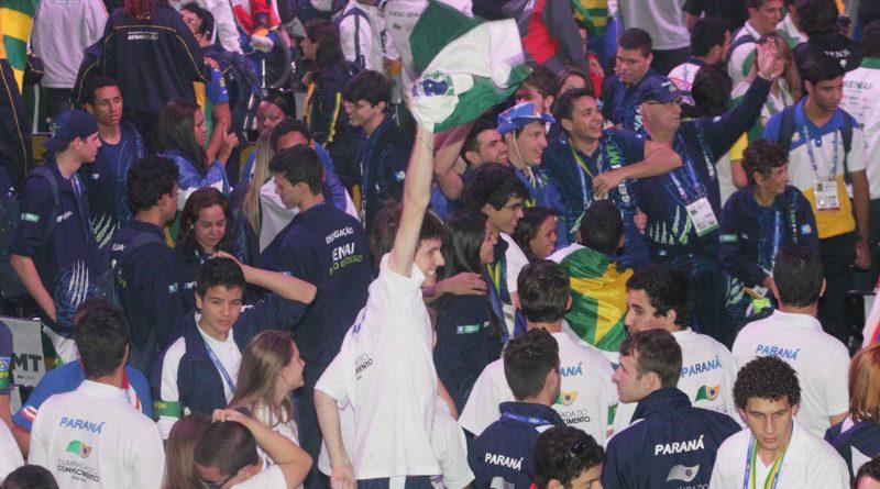 Estudantes na Olimpíada do Conhecimrnto Fiep